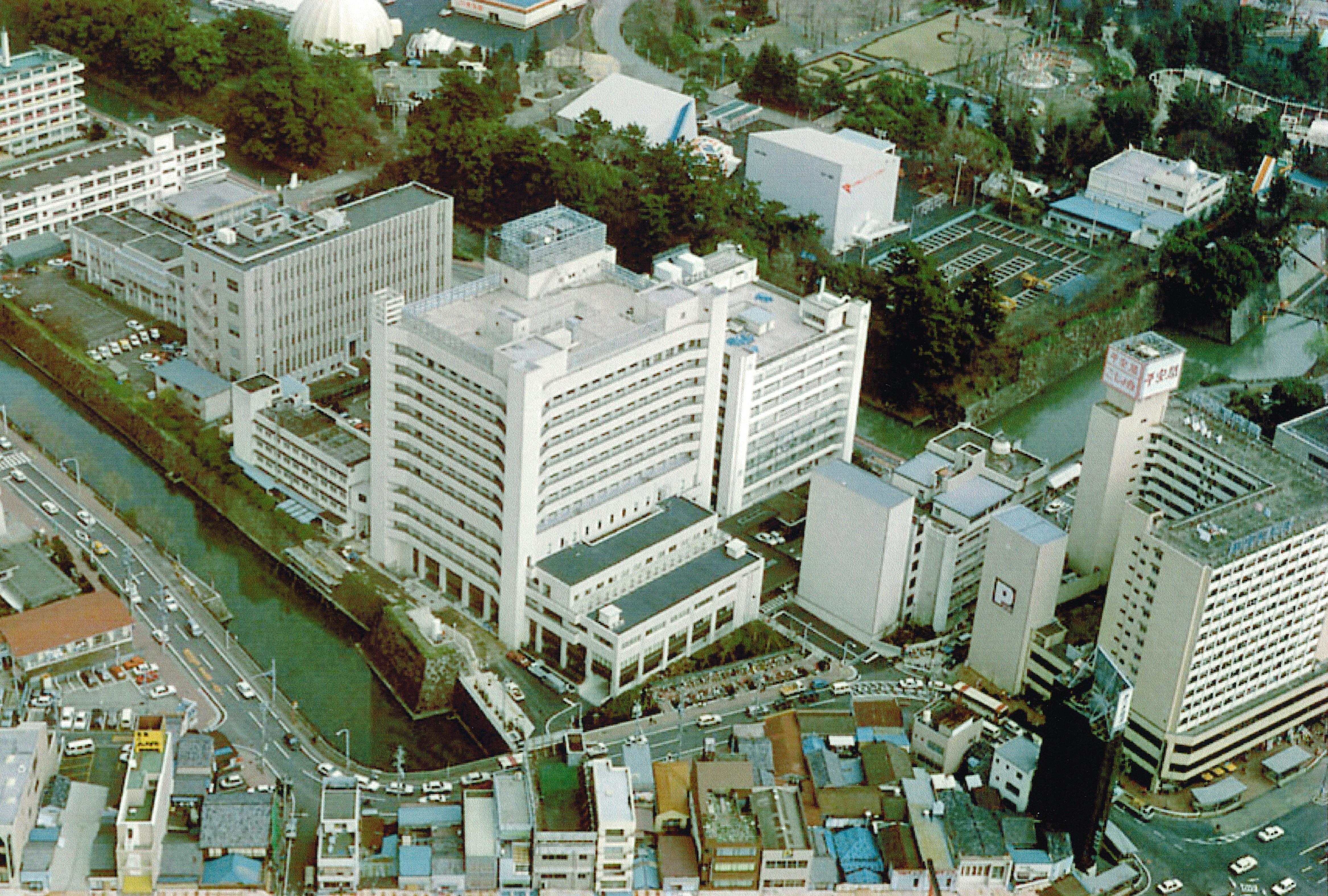 平成元年当時の病院(西館竣工)