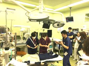 手術室と合同で緊急帝王切開の対応を確認しました