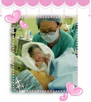 「いいお産の日」のイベントで助産師の活動写真が展示されます