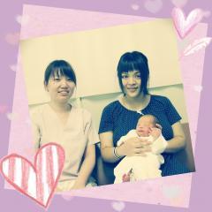 退院する日の赤ちゃんとお母さんです